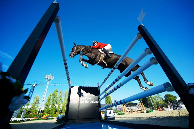 Tiffany Foster and Tripple X went round with a clear run to help Canada claim the runners-up spot in Barcelona ©FEI