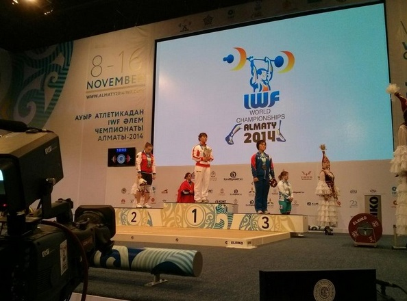 Deng Weng of China was crowned the overall women's 63kg world champion at the IWF World Championships in Almaty ©IWF/Twitter