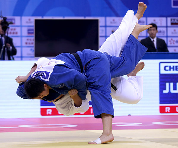 Harasawa Hisayoshi took just 15 seconds to win gold on the final day of the Qingdao Grand Prix ©IJF