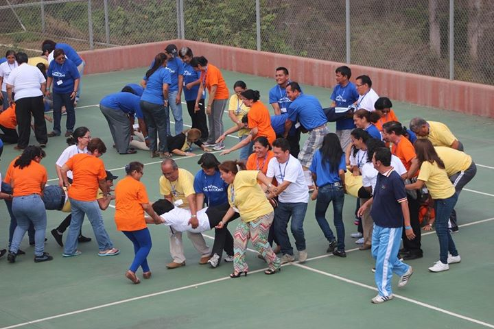 Hundreds of principals from Ecuador took part in sport-based exercises in an effort to increase Olympic philosophy in the nation ©Facebook