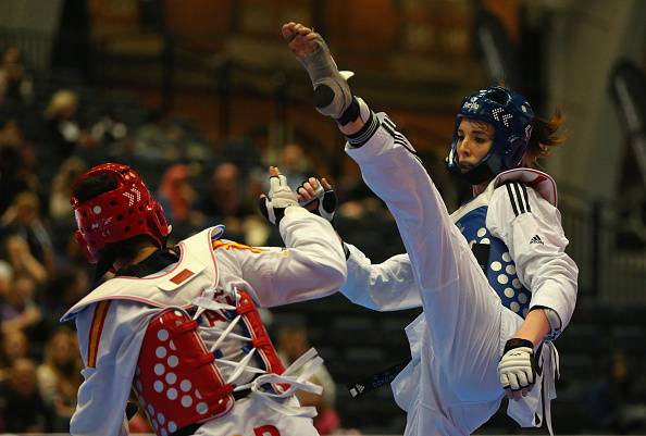 Jade Slavin (right) beat Canada's Nathalie Iliesco in the women's under 73kg category ©Getty Images