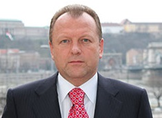 Marius Vizer has warned of the impact that the migration of judokas to other sports could have on judo ©IJF