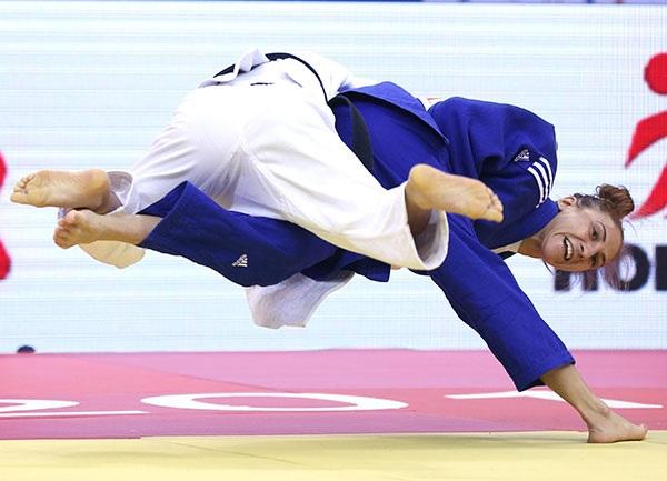 Monica Ungureanu claimed the first gold medal of the Qingdao Judo Grand Prix ©IJF