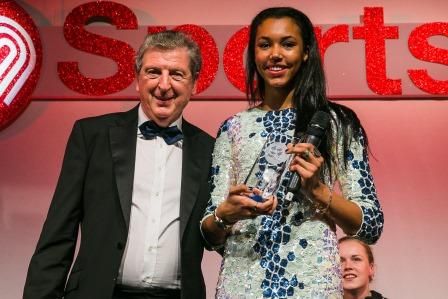 Morgan Lake being presented with SportsAid's One-to-Watch Award by England football manager Roy Hodgson ©SportsAid
