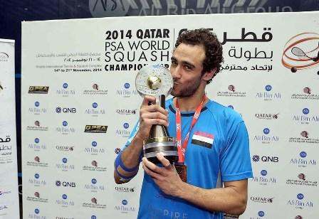 Ramy Ashour celebrates his PSA World Championship success ©PSA