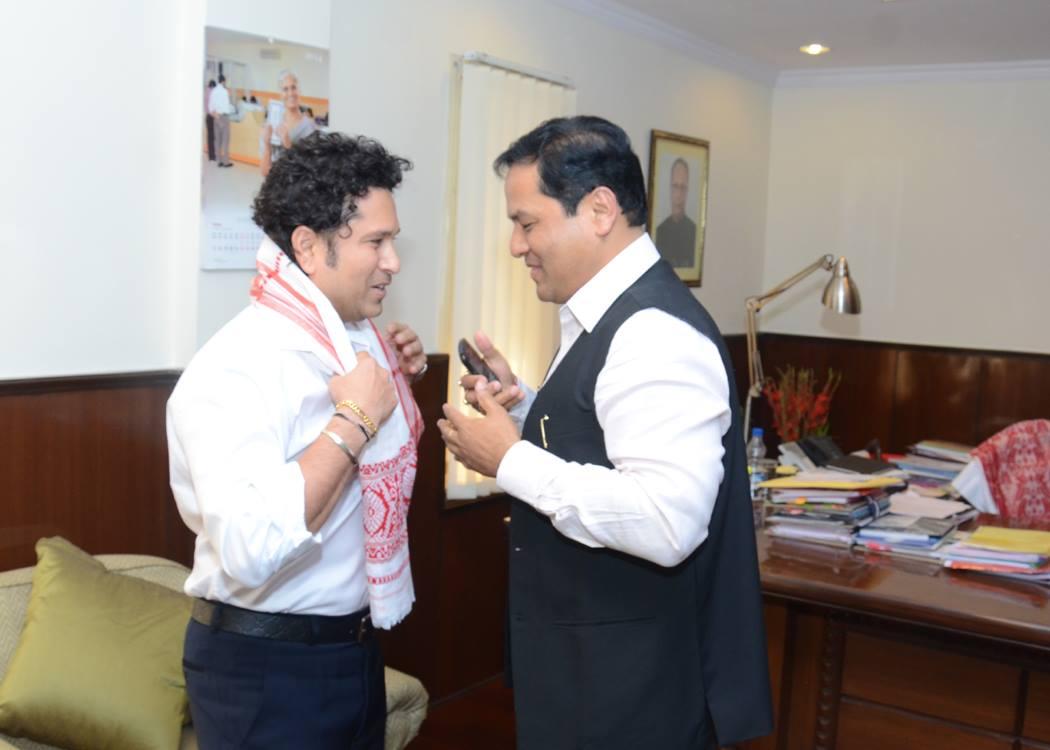 Sachin Tendulkar has urged the Indian Sports Minister to support boxer Sarita Devil ©Facebook