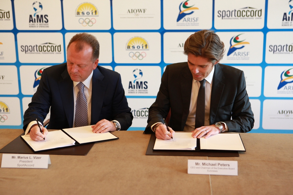 SportAccord President Marius Vizer has agreed a groundbreaking new deal with Euronews chief executive Michael Peters ©SportAccord