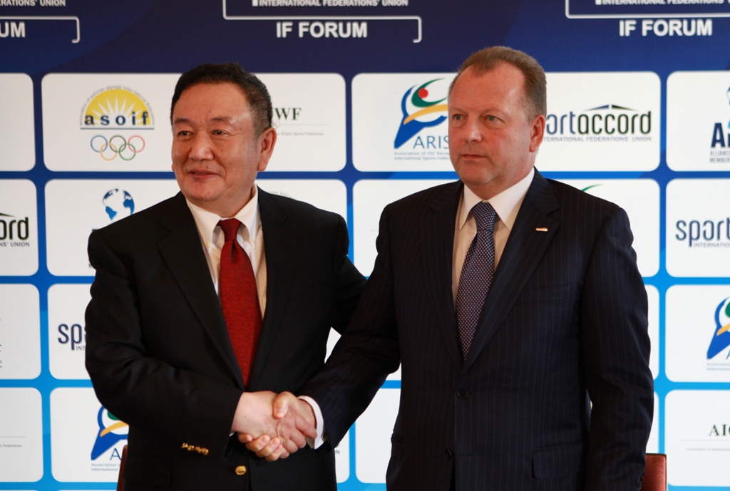 Taishan Sports Industry Group chairman Bian Zhi Lang and SportAccord President Marius Vizer after signing their four-year deal