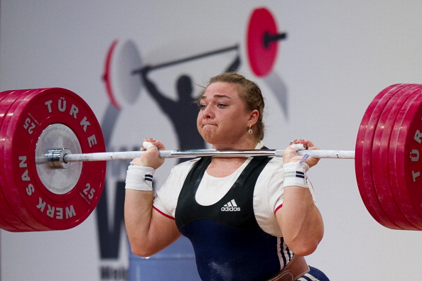 Tatiana Kashirina set five world records on her way to gold at the Weightlifting World Championships ©Getty Images