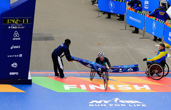 Tatyana McFadden crosses the finish line to win the New York City Marathon ©Getty Images