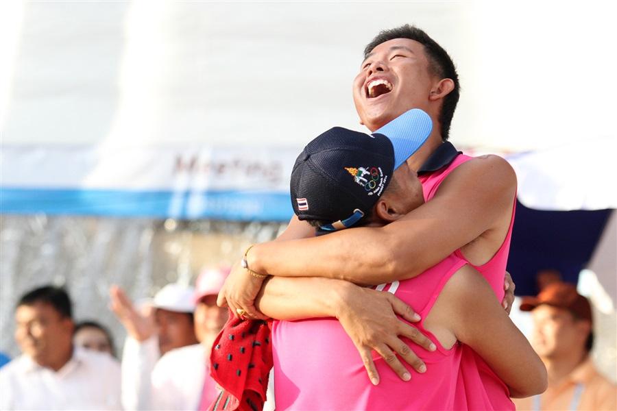 Thailand's men celebrate doubles gold in beach pétanque ©Phuket 2014