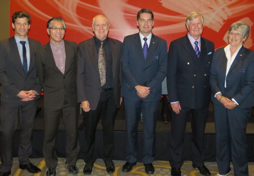 The successful Badminton Australia delegation, including officials from Tourism and Events Queensland, with BWF President Poul-Erik Høyer (third from right) ©BWF