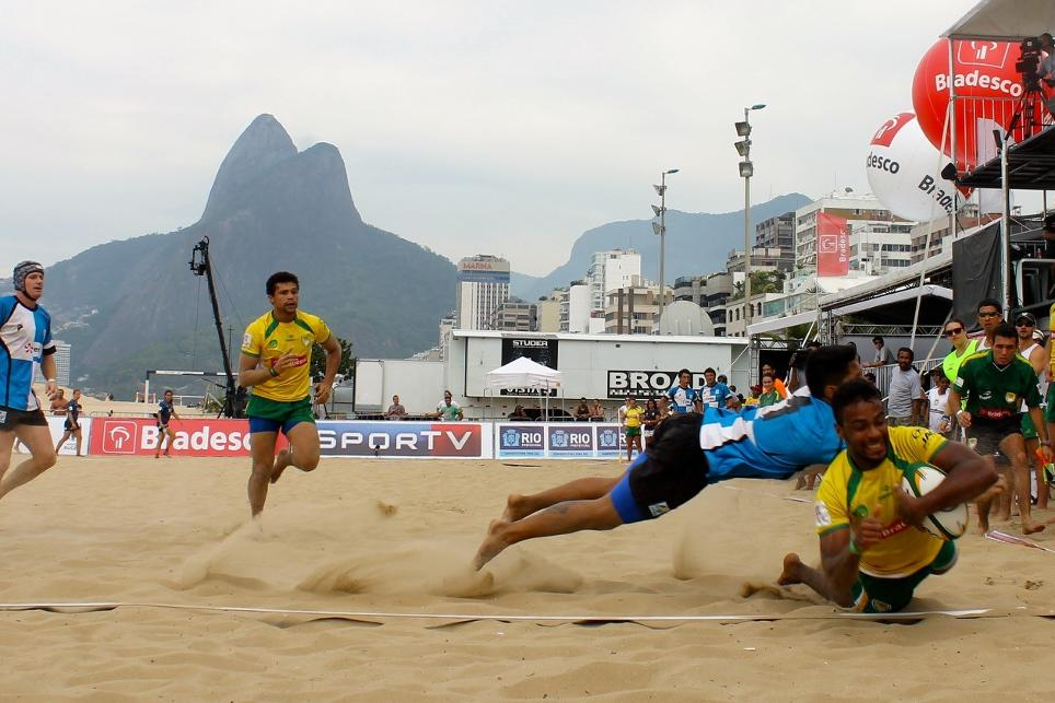 Argentina and Brazil were on top in a beach rugby sevens invitational tournament on Ipanema Beach ahead of Rio 2016 ©Rio 2016