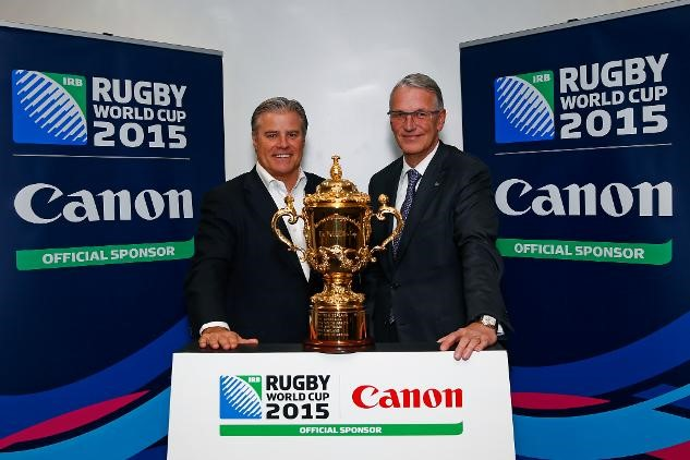 World Rugby chief executive Brett Gosper (left) with Rokus van Iperen, President of Canon Europe, Middle East, Africa ©Eddie Keogh/Canon Explorer