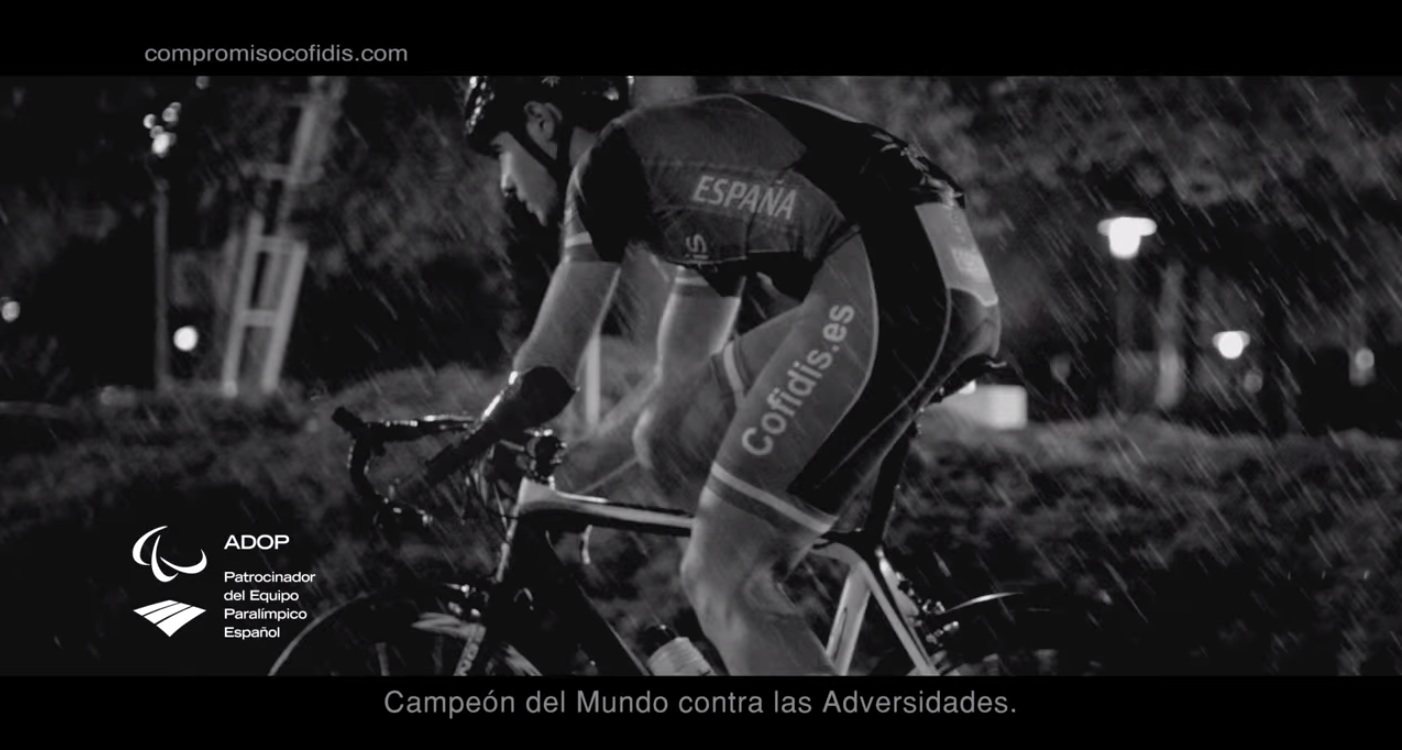 Paralympic champion Alfonso Cabello stars in a new advert for Cofidis ©YouTube