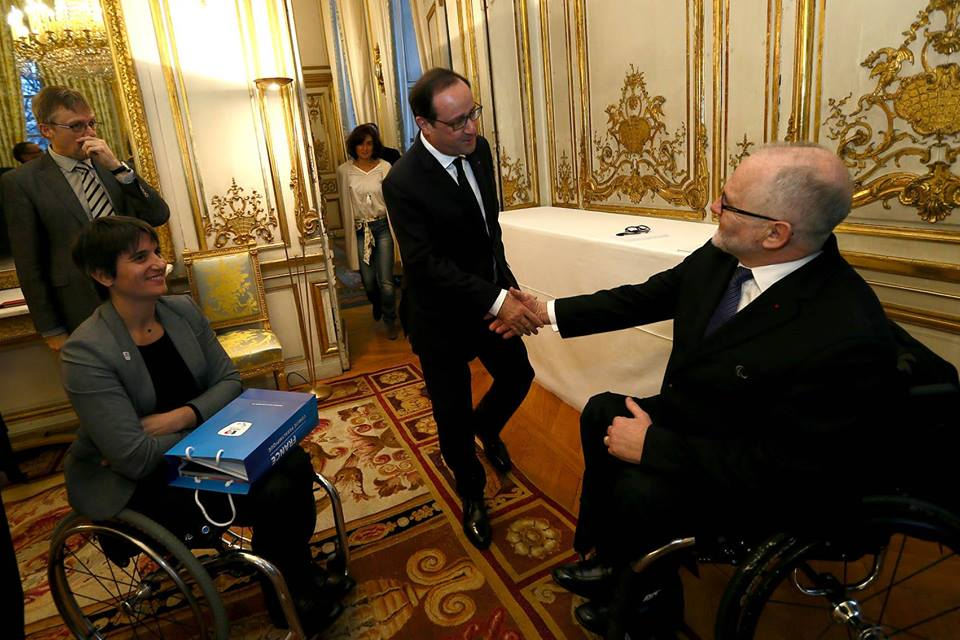 Sir Philip Craven and French President François Hollande have met in Paris ©IPC/Facebook