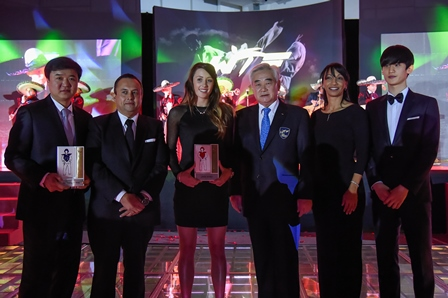 South Korea's Daehoon Lee (right) and Great Britain's Jade Jones (third from left) were crowned WTF Male and Female Players of the Year respectively ©WTF