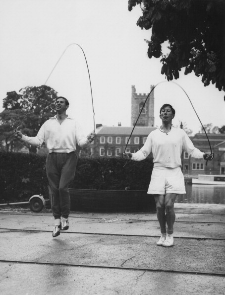Christopher Davidge, pictured right preparing for the 1958 Empire and Commonwealth Games, has died aged 85 ©Hulton Archive/Getty Images