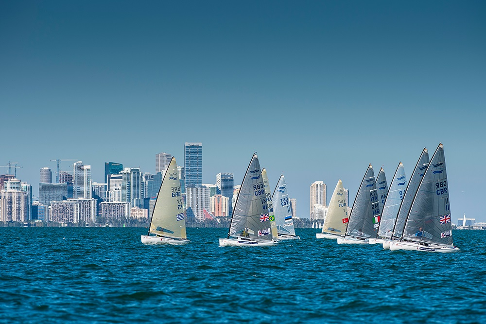 Finn fleet in front of the City of Miami ©ISAF