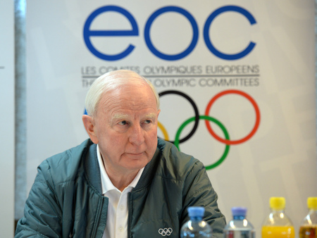 Patrick Hickey insists the European Olympic Committees don't want to make the summer edition of the European Youth Olympic Festival too big ©ÖOC/GEPA