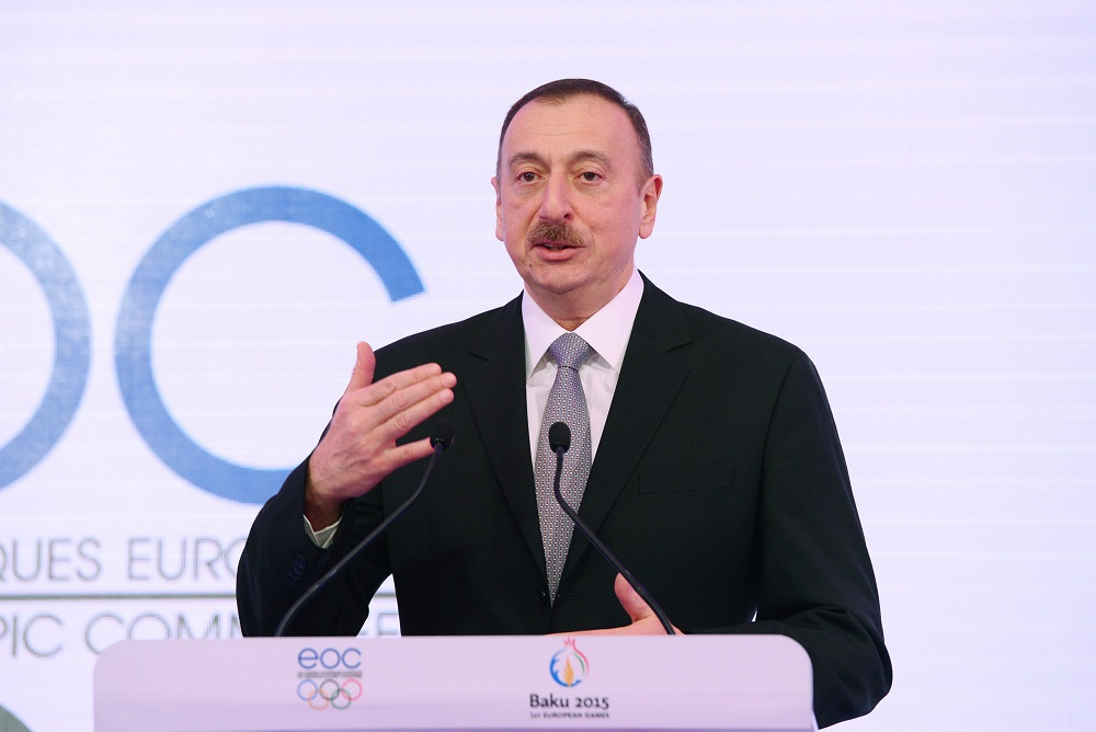 President Ilham Aliyev addressed a number of high-profile figureheads during a Baku 2015 Gala Dinner at the 2015 World Economics Forum ©Baku 2015
