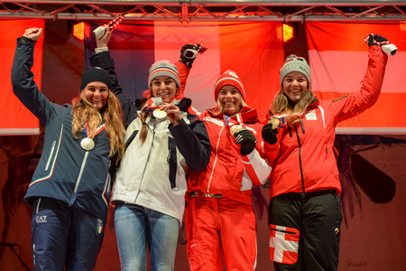 The medallists in the girls' Alpine skiing giant slalom event celebrate at the medals plaza ©ÖOC/GEPA