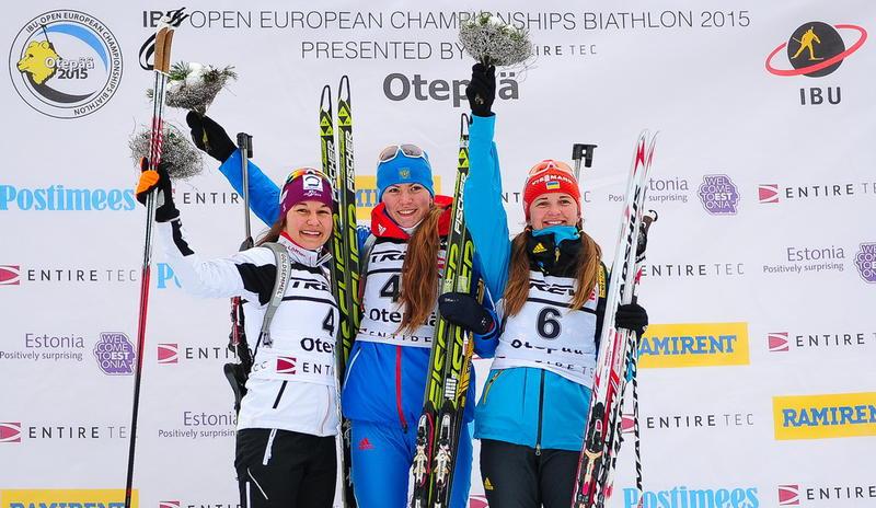 Victoria Slivko (centre) claimed gold in the women's 12.5km event ©IBU/Andrei Ivanov