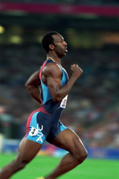 Michael Johnson running at the Sydney 2000 Olympics, where he won the 400m gold and subsequently retired ©Getty Images