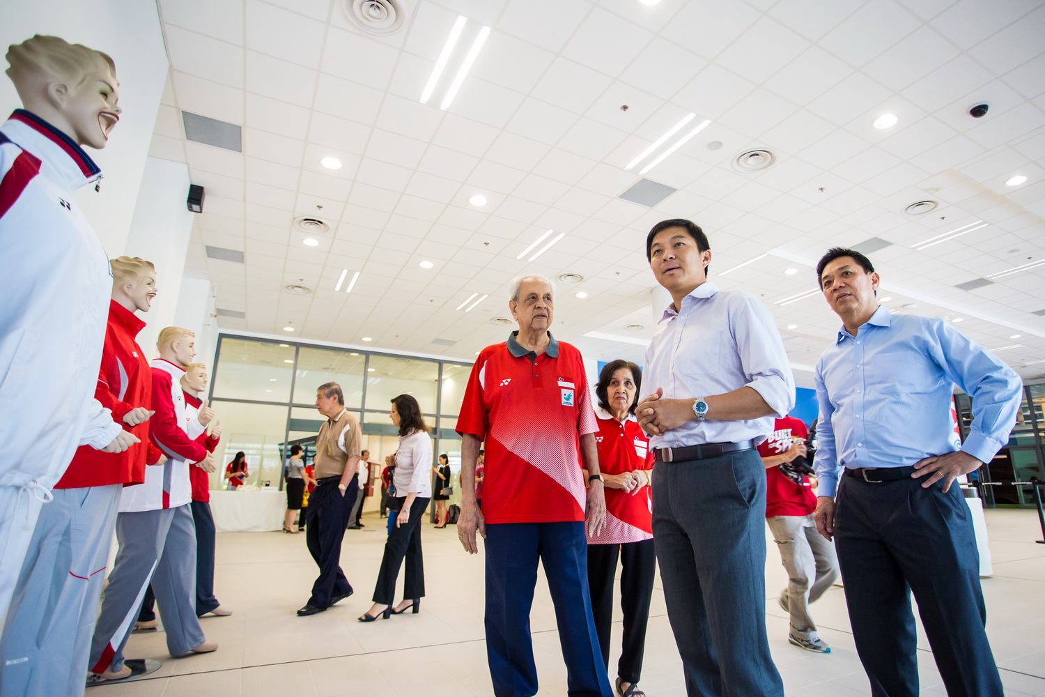 The deal was signed by SNOC secretary general Chris Chan along with Sunrise head of group business development Harinder Garga at the Singapore Sports Hub ©SNOC