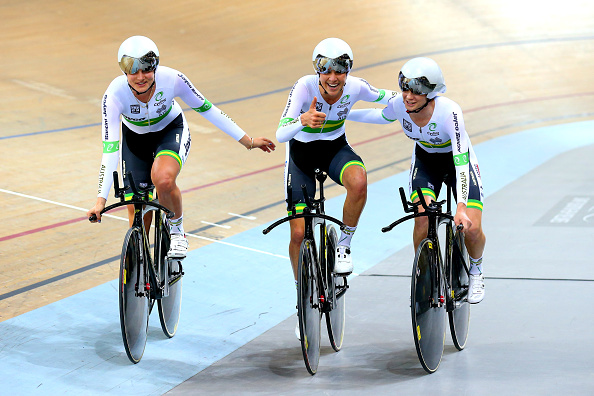 Australia's women's team pursuiters celebrate smashing the world record on the way to gold ©Getty Images