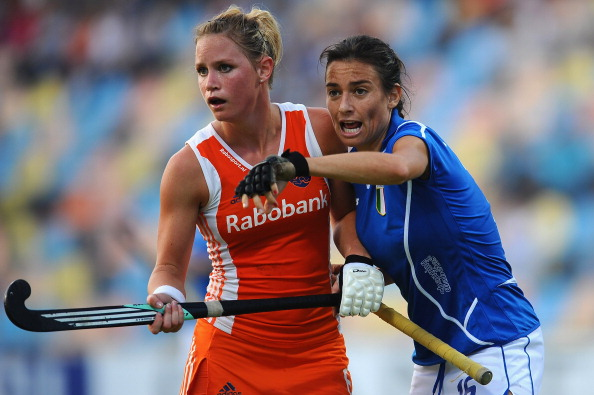 Claire Verhage (left) struck a late equaliser before her Dutch side beat host nation Germany in a dramatic penalty shootout in Leipzig ©Getty Images