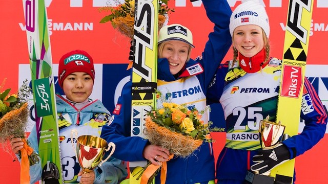 Daniela Iraschko-Stolz (centre) saw off competition from Sara Takanashi (left) and Maren Lundby (right) ©FIS