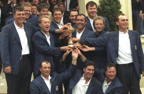 Darren Clarke (left) first tasted Ryder Cup success as a player in 1997 ©Getty Images