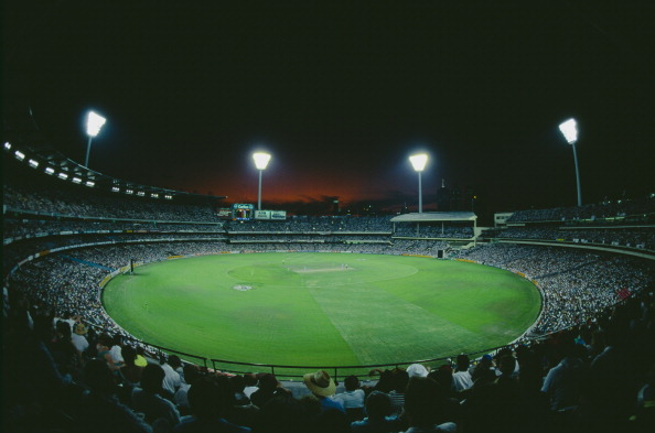The 1992 Cricket World Cup in Australia and New Zealand featured floodlit cricket, white balls and coloured clothing for the first time ©Getty Images