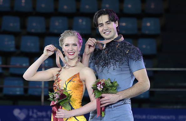 Kaitlyn Weaver and Andrew Poje took gold for Canada ©Getty Images