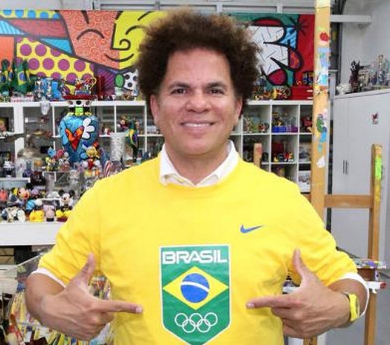 Romero Britto, wears the seal of the Rio Olympics and flag of his native Brazil as global ambassador the Rio 2016 Games ©Romero Britto