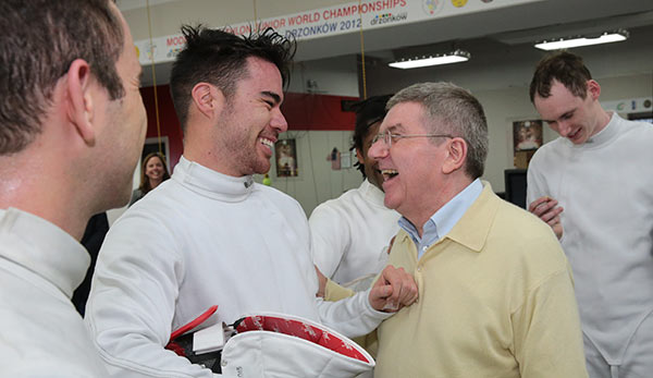 Thomas Bach met fencers training at the USOC headquarters in Colorado Springs as part of his visit ©IOC