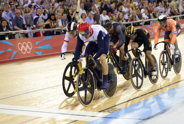 Chris Hoy wins keirin gold at the London 2012 velodrome amidst a crescendo  of noise © 21a0a3792