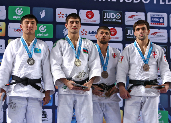 Azerbaijan's Rustam Orujov (second left) performed superbly to claim victory in the men's under 73kg class in Tbilisi ©IJF