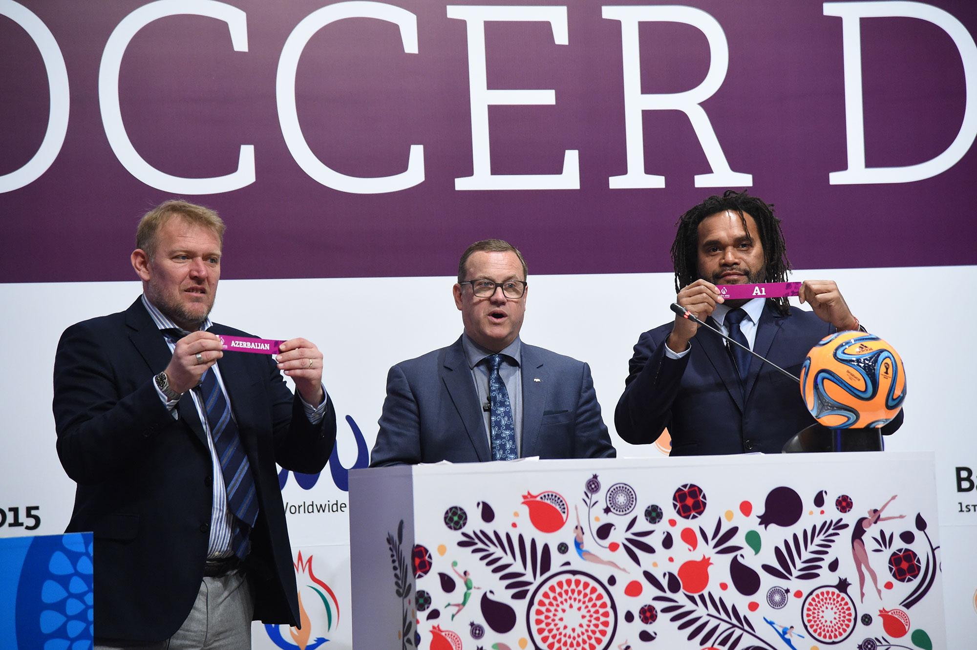 Former international footballers Christian Karembeu and Robert Prosinečki took part in the draw for the Baku 2015 beach soccer draw ©Baku 2015