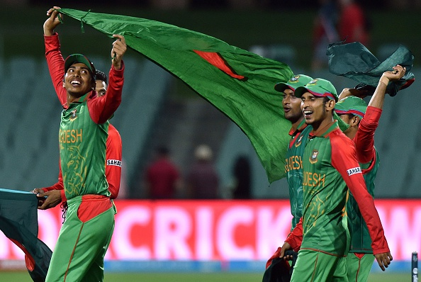 Bangladesh celebrate after a brilliant 15-run win over England at the Cricket World Cup ©AFP/Getty Images
