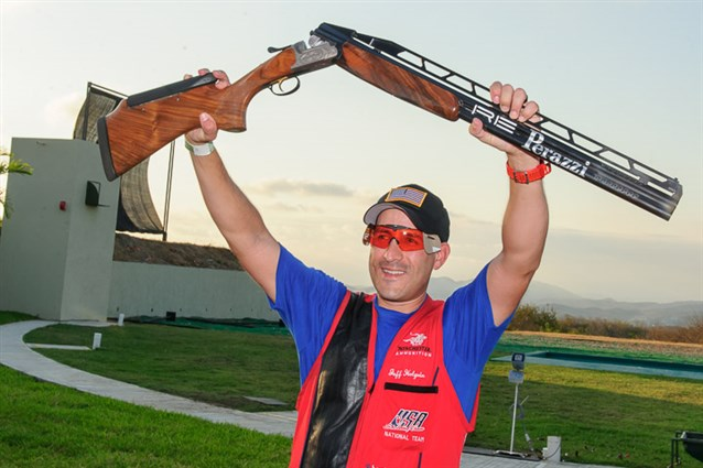 Jeffrey Holguin continued his superb shooting World Cup form with double trap victory in Acapulco ©ISSF