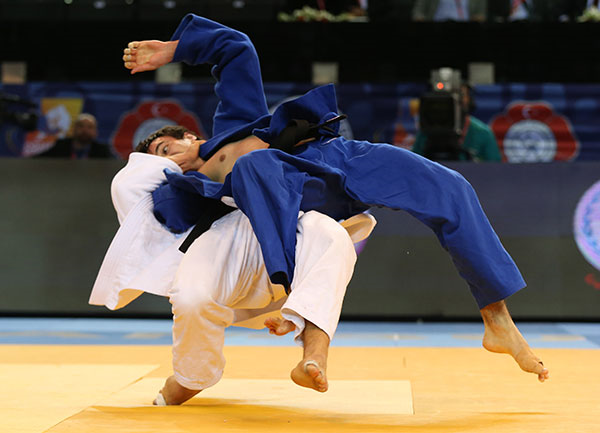 France's Loic Pietri came through a packed field to win the men's under 81kg event ©IJF