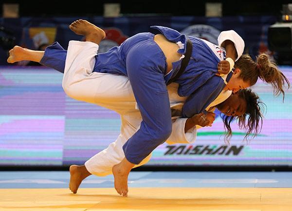 Madeleine Malonga secured a win in the women's under 78kg final ©IJF