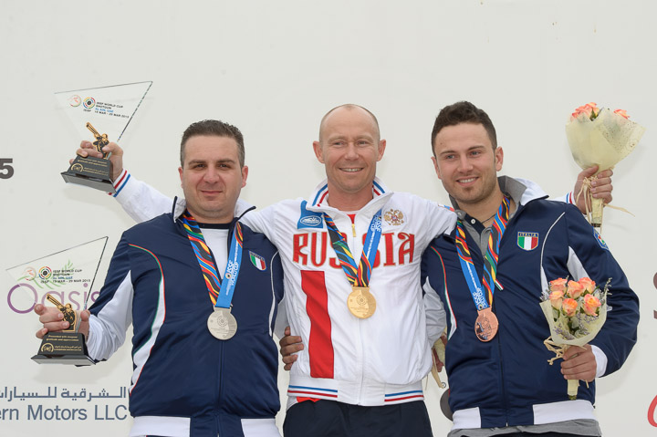 Vasily Mosin (centre) ousted the Italian duo of Marco Innocenti (left) and Davide Gasparini to take gold in Al Ain ©ISSF