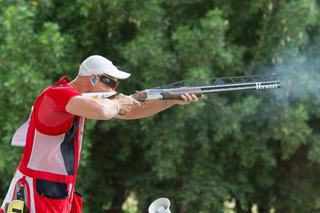 Russia's Vasily Mosin secured a Rio 2016 quota spot with double trap gold in Al Ain ©ISSF