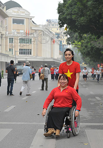 More than 3,000 people took part in the Olympic Day Run held in Hanoi ©Vietnam Olympic Committee