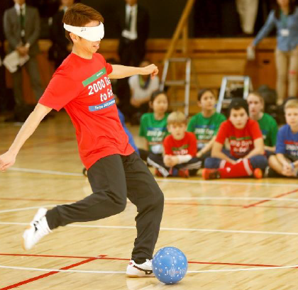 Youngsters were coached by football 5-a-side national team player Kento Kato ©Tokyo 2020/Shugo Takemi