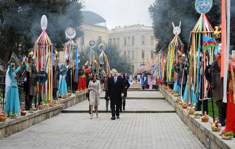 The President and First Lady touring the Boulevard during the Novruz festivities incorporating demonstrations of sports that will feature in Baku2015  ©Official site of the President ofAzerbaijan