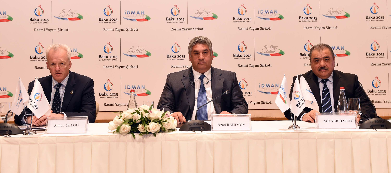 Simon Clegg, Azad Rahimov and Arif Alishanov at the Baku 2015 and AzTV signing ceremony ©Baku 2015
